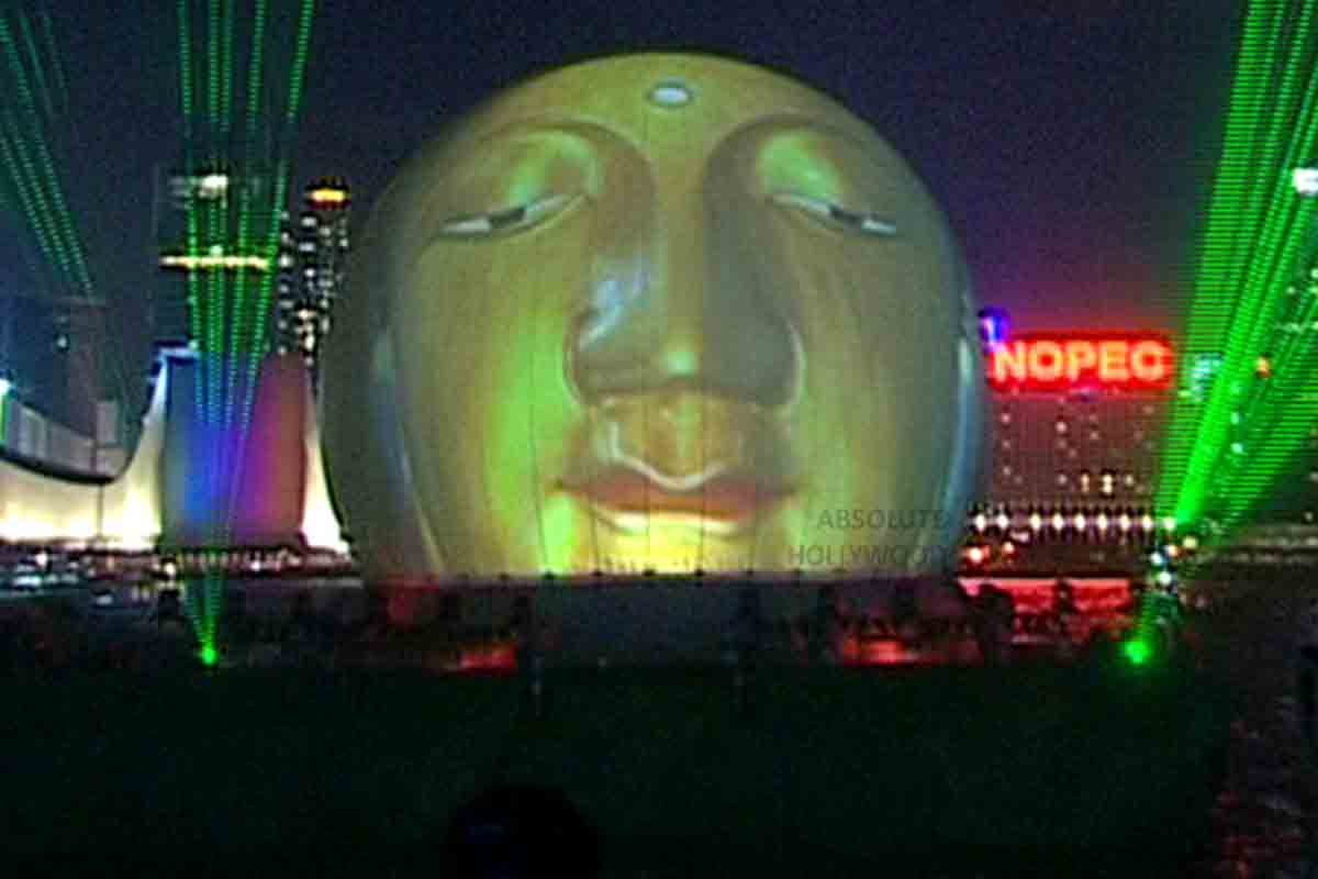 Immersive 360-Video-Dome-Screen-Show-on Barge