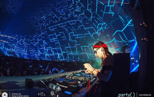 Skrillex Live in the World's Largest Video Projection Dome with 360 Video Fulldome Show Production