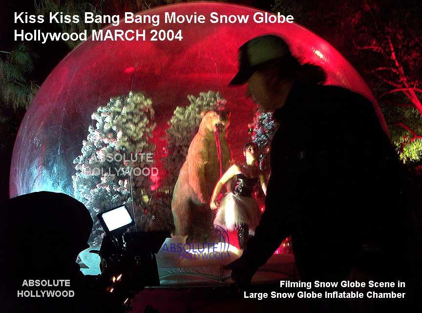 Kiss Kiss Bang Bang Movie Robert Downey Jr, Val Kilmer Large Snow Globe Los Angeles Human Sized Snow Globe